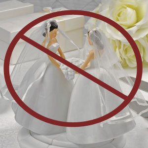 Christian Wedding Cake Baker Turns Away Lesbian Couple in Iowa