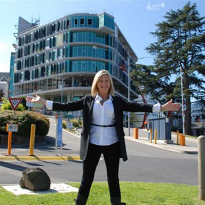 Olivia Newton-John Cancer and Wellness Centre Opens in Australia