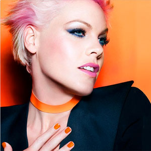 SheWired Shot of the Day: Pink is the New CoverGirl