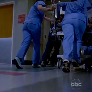 Watch: Grey's Anatomy Season 9 Promo - Will Arizona Survive?