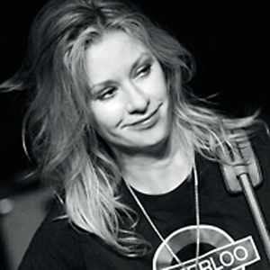 Country Singer Shelby Lynne's Sexuality Has 'Covered The Boundaries'