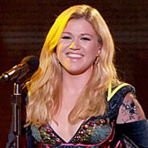 Listen: Jewel Plays 'Foolish Games' with Kelly Clarkson