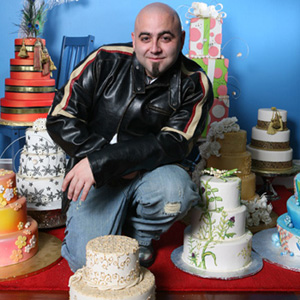 'Ace of Cakes' Star Offers Wedding Cake to Lesbian Couple Turned Away from Oregon Bakery