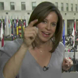 Jenna Wolfe (Rock-Paper) Scissored With Partner to Decide Who Got Pregnant