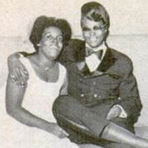 Shot of the Day: Gorgeous Lesbian Couple Featured in Jet Magazine in 1970