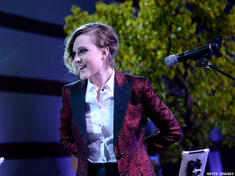 WATCH: Evan Rachel Wood Sings the Hell Out of 4 Non Blondes' 'What's Up'