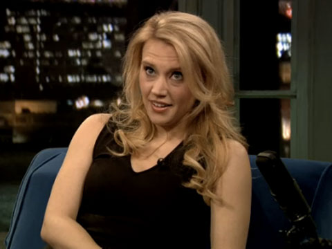 WATCH: Kate McKinnon Talks Bieber, Costumes, and SNL with Jimmy Fallon