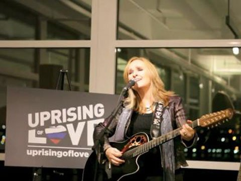 Melissa Etheridge Releases 'Uprising of Love' Single with 100% of Profits Going to Russian Freedom Fund