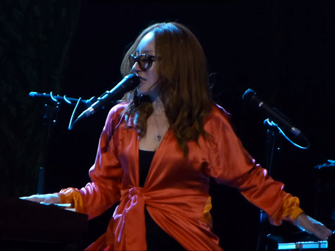 "WATCH: Tori Amos Covered t.A.T.u's Lesbian Anthem ""Never Gonna Get Us"" in Moscow"