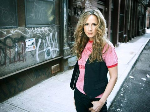 Here's How You Can Help Chely Wright Make Her Next Album