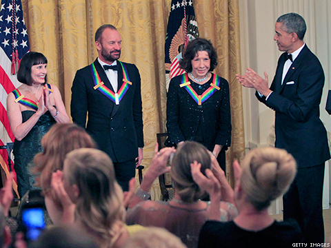 WATCH: President Obama on Lily Tomlin and Ernestine Drag Queens