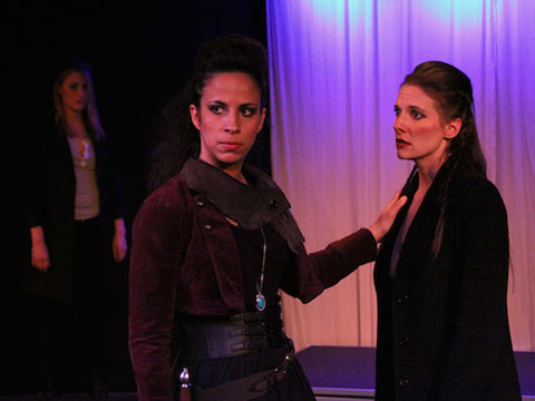 Review: All-Female Othello Brings a Thrilling New Perspective to a Familiar Piece