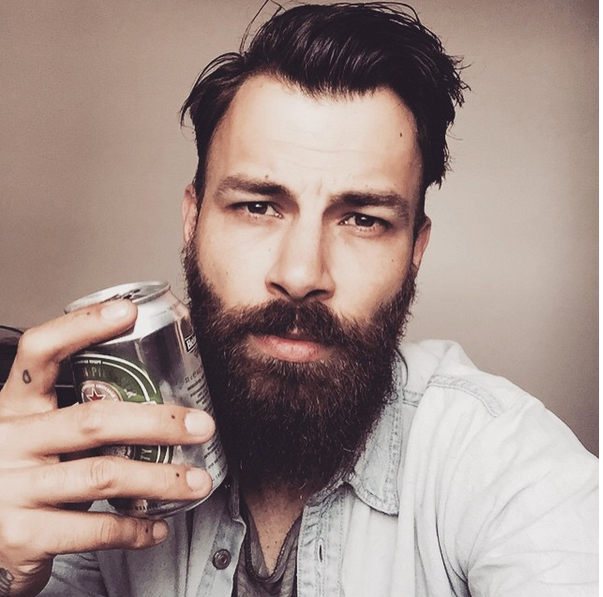 12 reasons to date a guy with a beard