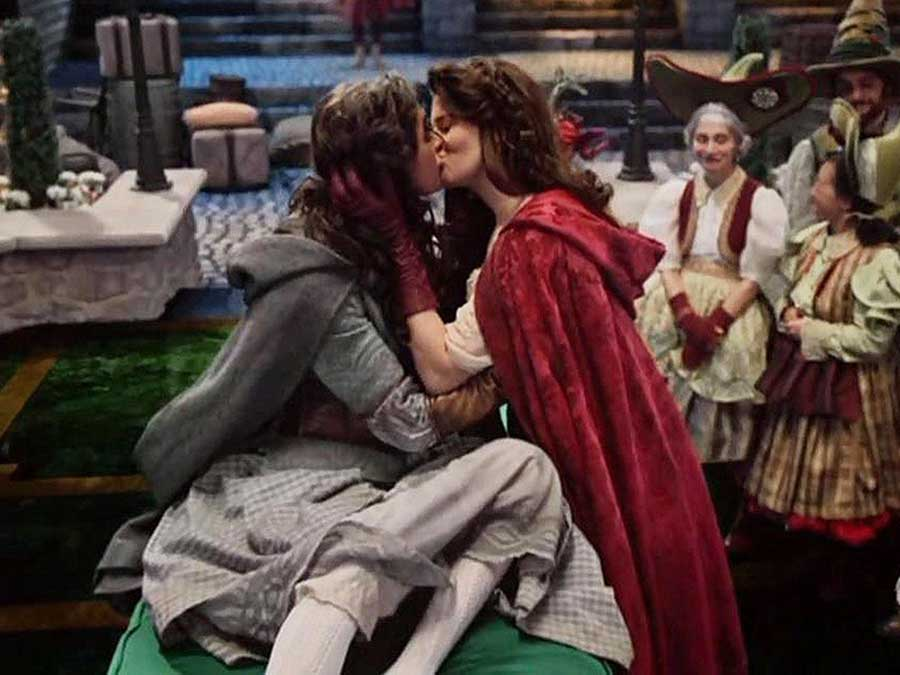 Once Upon A Time Gets An Epic Kiss Between Two Storybook