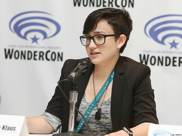 Thanks to Scream Star Bex Taylor-Klaus for Coming Out in the Face of Trump/Pence