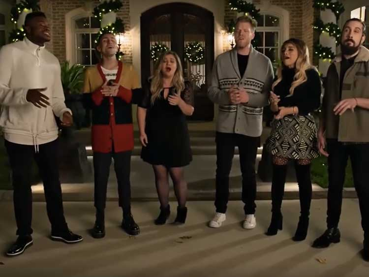 Kelly Clarkson & Pentatonix Blow This Christmas Classic Out of the ...