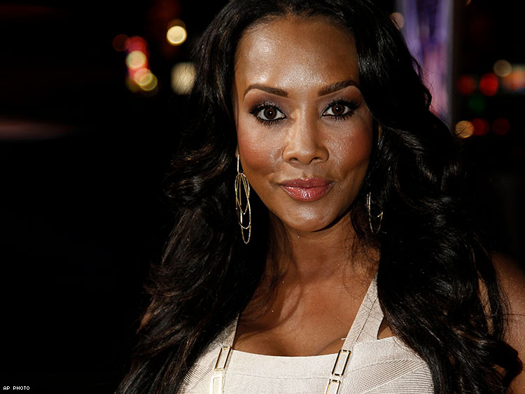 vivica-a-fox-apologizes-gay-men-black-magic-male-revue