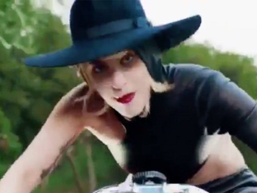 gaga 39 s video for 39 john wayne 39 makes us want to slay the wild west. Black Bedroom Furniture Sets. Home Design Ideas