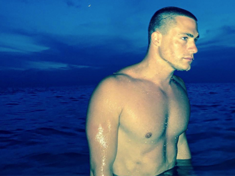 colton-haynes-bare-butt-full-moon-turks-and-caicos