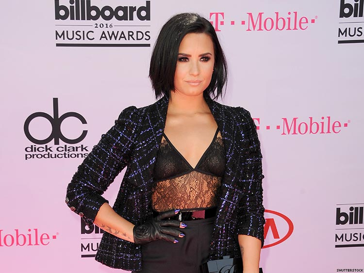 demi-lovato-sexuality-bisexual-gay-lesbian-Lauren-Abedini