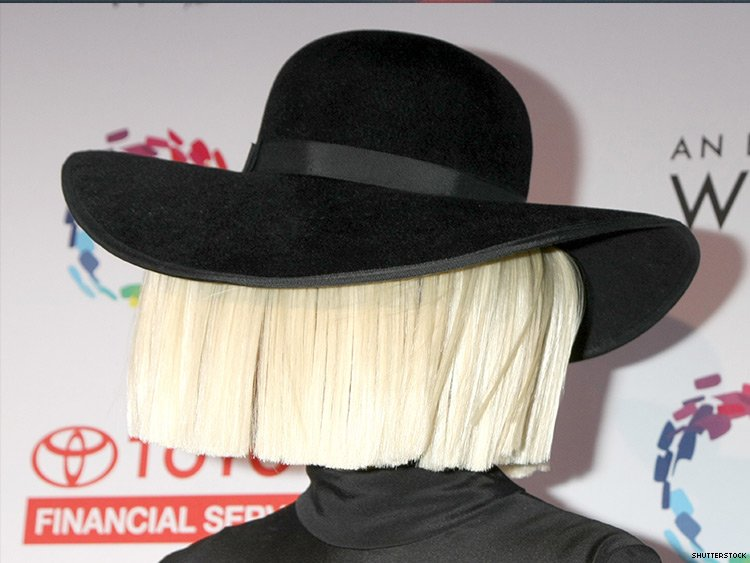 Sia Leaks Nudes Before Man Threatens To Sell Them