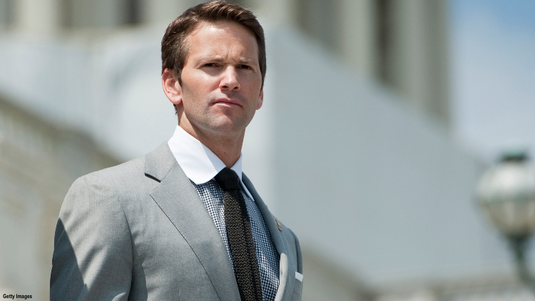 aaron-schock-comes-out-as-gay.jpg