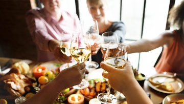 7 Tips on Surviving Thanksgiving as a LGBTQ Person