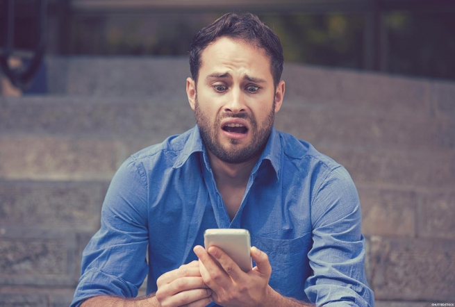 8 Rules of Texting Etiquette for Gay Men (Because apparently We Still Don't have this Down)